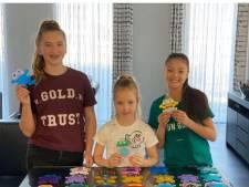 Romy, Maylin en Nikki:  opkikkers voor senioren van meer dan 50.000 strijkkralen
