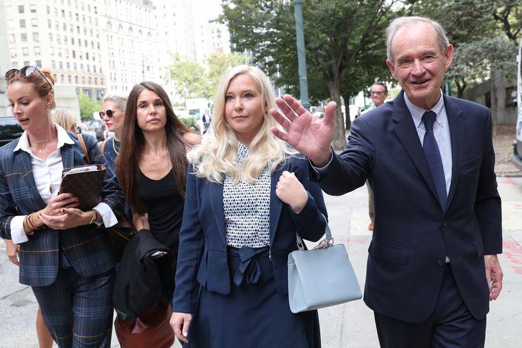 Virginia Giuffre met haar advocaat. Beeld REUTERS