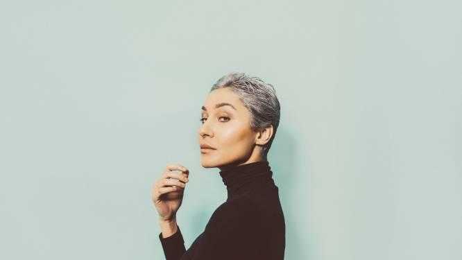 De uitgroei is real: van waar komen die grijze haren en wat kan je eraan doen?