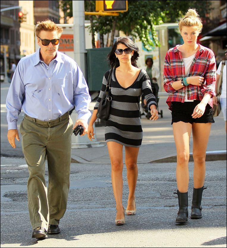 Alec Baldwin met zijn vrouw Hilaria en dochter Ireland.