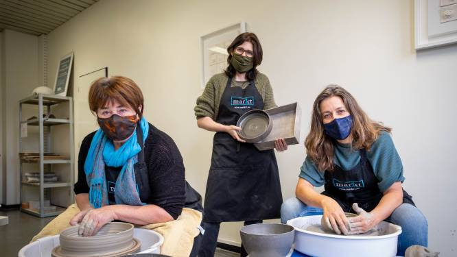 """Keramisten van 'De Warmste Kom' bedenken corona-alternatief: """"Laten zelfgemaakte ovenschotels vullen met heerlijke gerechten"""""""