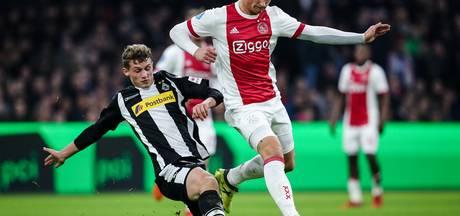 Bekijk hier hoe Ajax de nummer vier van de Bundesliga verslaat