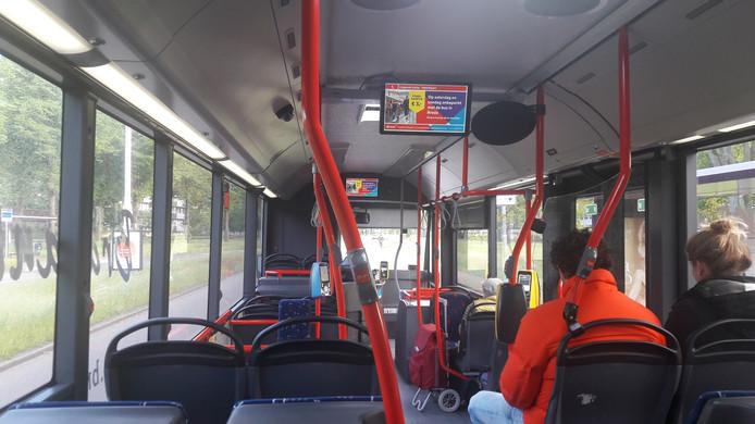Herdenking in de Bredase stadsbus 7 naar Heusdenhout.