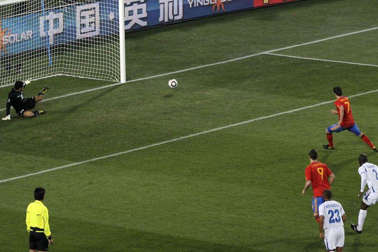 David Villa mist een penalty voor Spanje (AP) Beeld