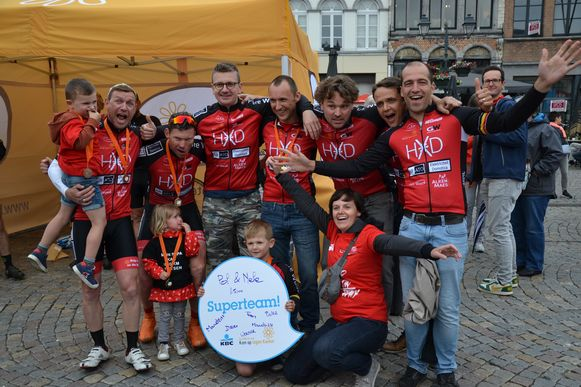RUMST 'Help is on the way' wil ook dit jaar weer met twee teams de 1000 km van Kom op tegen Kanker rijden.