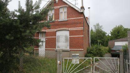 Daklozen vinden 300.000 euro in huis overleden vrouw en delen die uit