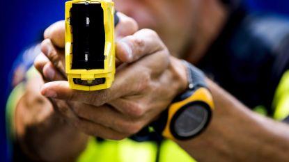 Politiezones die tasers moeten testen, krijgen wapens niet gekocht