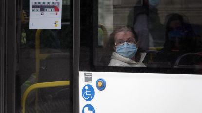 """Eerste mondmaskers vanaf dinsdag verdeeld in Boechout: """"Mensen die openbaar vervoer moeten nemen, krijgen voorrang"""""""