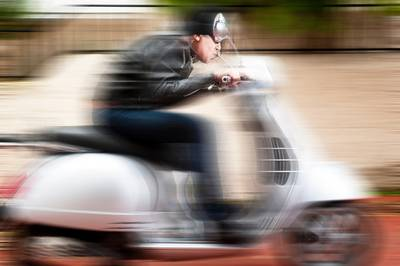 Bredanaar (22) opgepakt na beroving met geweld van scooter in Vlissingen