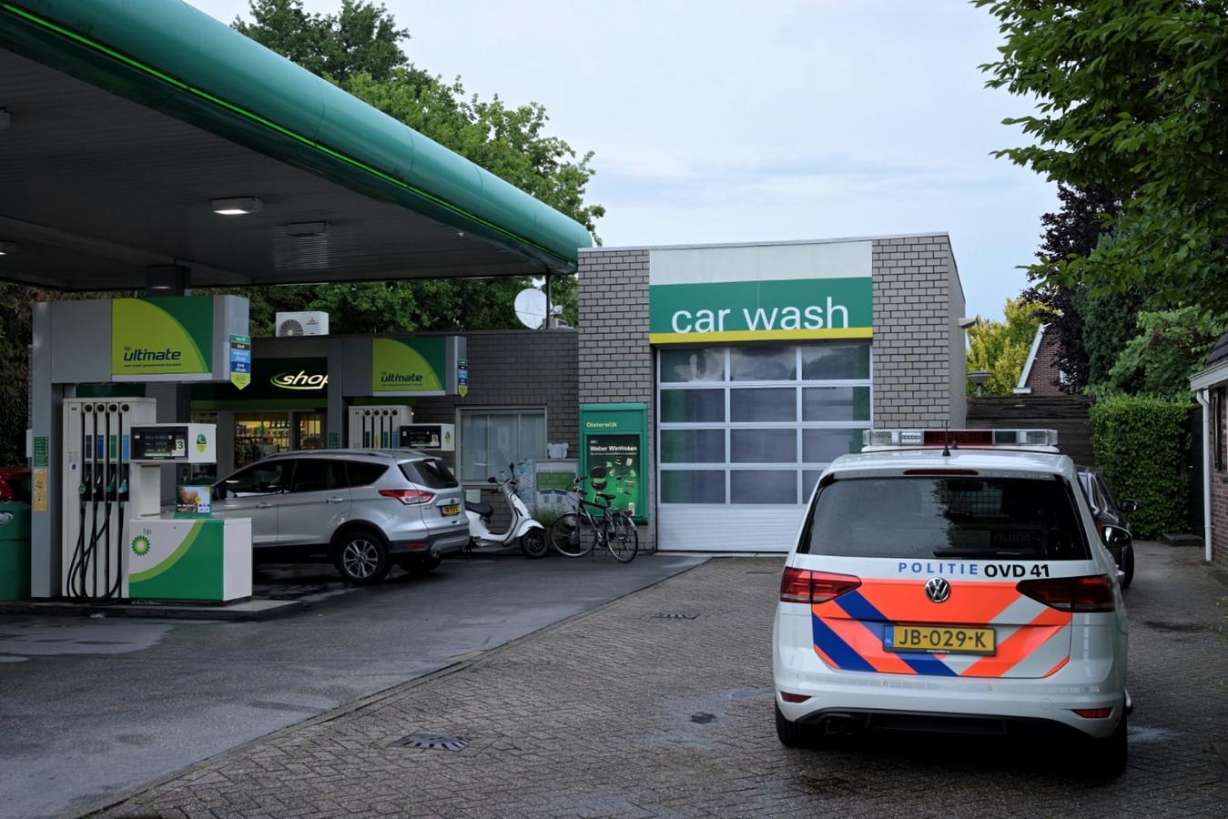 De pompbediende uit Oisterwijk kon door het sluiten van de deur een tweede overval voorkomen.