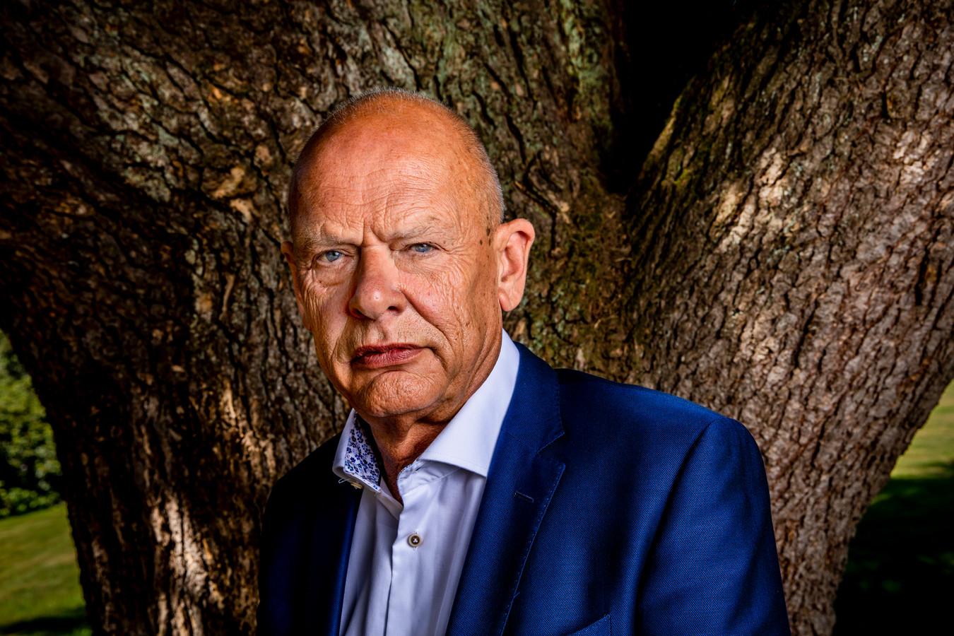 Pluryn-topman Karel Verweij kreeg veel over zich heen door de sluiting van jeugdzorginstelling De Hoenderloo Groep. ,,Wij liggen al een halfjaar onder het vergrootglas van alles en iedereen, ook van de media. Wat we nu willen, is rust.''