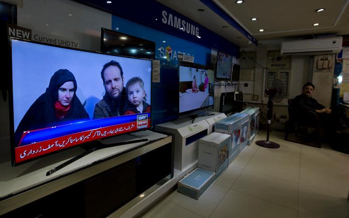 Een Pakistaans tv-station bericht over het gezin.