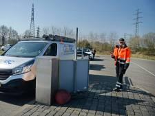 Els werkt bij Twente Milieu: Massale stormloop op brengpunt in Hengelo is 'beetje eng'