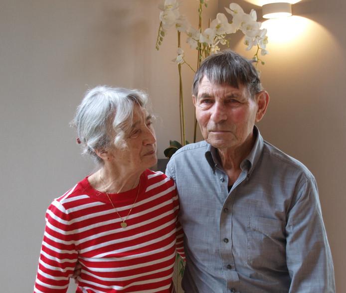 Het bruidspaar Annie Kleijn (81) en Herman Hoogervorst (90).
