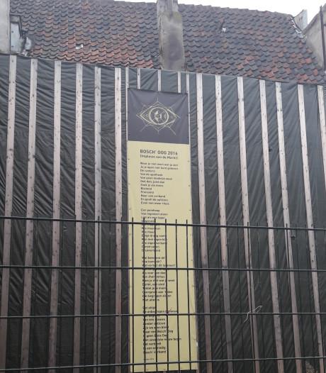Bak met flyers was al niet hufterproof, vaandel nu ook weg bij gat in Markt: 'Mooi geweest'