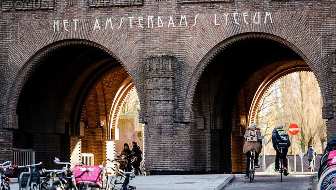 Het Amsterdams Lyceum is een van de populairste scholen van de stad.