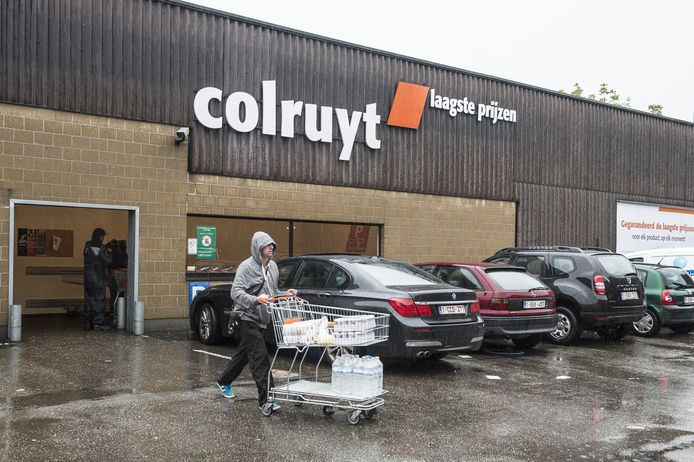 De Colruyt in de Jonghelinckstraat is de goedkoopste supermarkt in de stad.