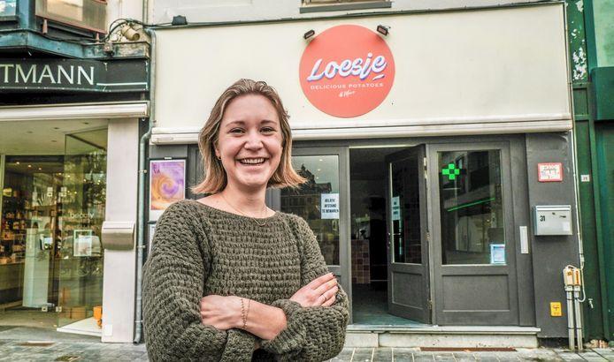 Loes Declerck heeft er zin in. Haar nieuwe horecazaak Loesje is sinds deze week open, in de Doorniksestraat 31.