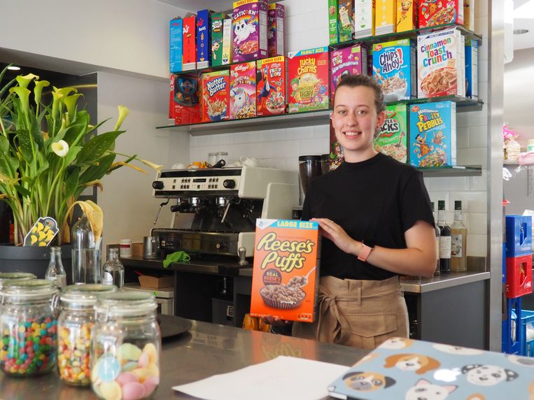 Laura Vanmolecot opende deze maand Flakes & Shakes in de Borzestraat in Mechelen.