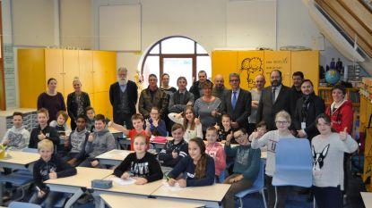 Gemeenteschool De Pagaaier stelt nieuw meubilair voor