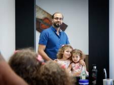 Syrische kapper pakt zijn passie weer op