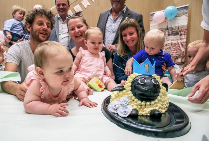 Het Yper Museum werd bij de opening de trotse meter van zes kindjes. Samen met het museum vierden die nu hun verjaardag. Dit jaar wordt het feest even uitgesteld.