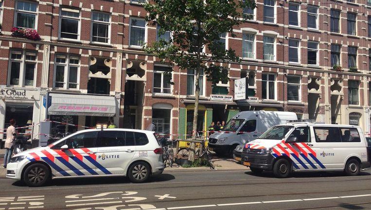 Politie maandagmiddag bij de woning waar Hoovers en zijn vrouw werden gevonden. Beeld Roelf Jan Duin