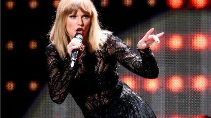 VIDEO. Taylor Swift houdt moment stilte voor Aretha Franklin in haar thuisstad
