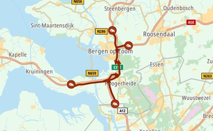 De files rond Bergen op Zoom, situatie om 17.00 uur.