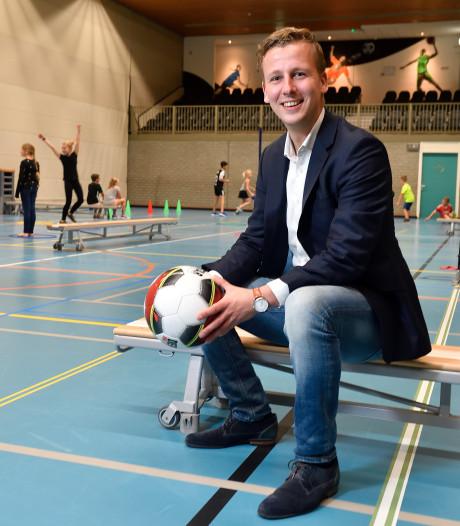 Arjen Hop wil meer kinderen aan het sporten krijgen: 'Hoe win je het van de iPad?'