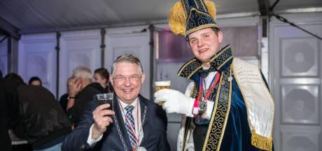 Prins Hendriks de tweede regeert over Piepenplas