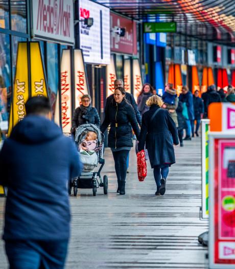 Ruimere openingstijden zijn alleen gunstig voor grote ketens en maken van winkelstraten eenheidsworst