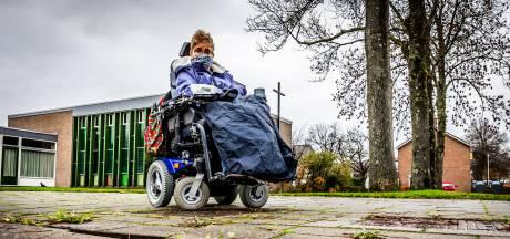 Containers of fietsen op de stoep, losliggende tegels en scheve opritjes in Hoeksche Waard: 'Dit moet anders'