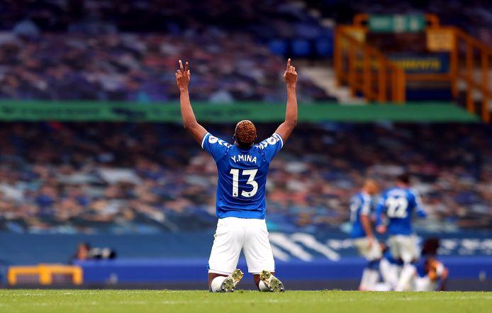 Everton reste invaincu et conserve la première place.