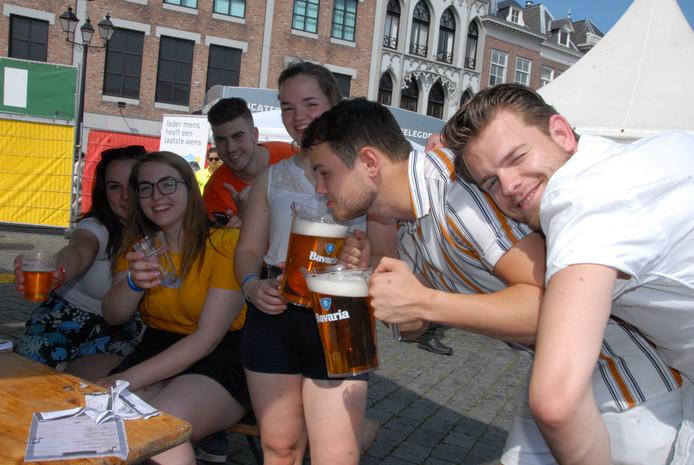 Dolle pret bij de zoveelste pitcher tijdens SLOK in Den Bosch.