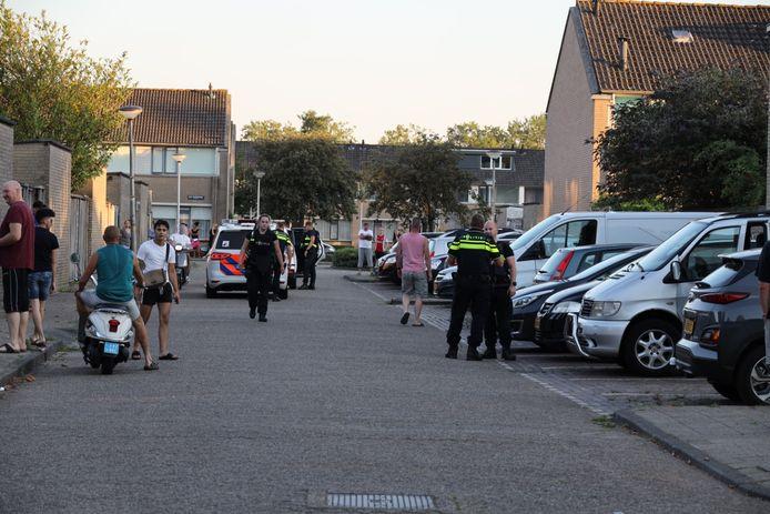 De recherche onderzoekt wat er precies is gebeurd bij de woning aan het Schubertpark in Waalwijk.