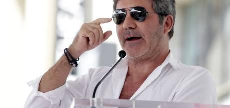 'Cowell onderging zes uur durende operatie aan meerdere breuken in rug, metalen staaf geplaatst'
