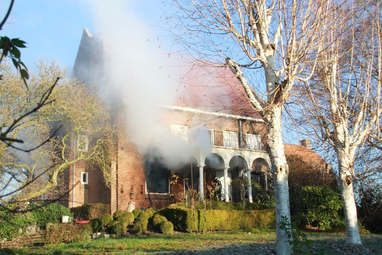 De villa van Lutgart Declercq (72) langs de Juliaan Claerhoutstraat in Kaster.