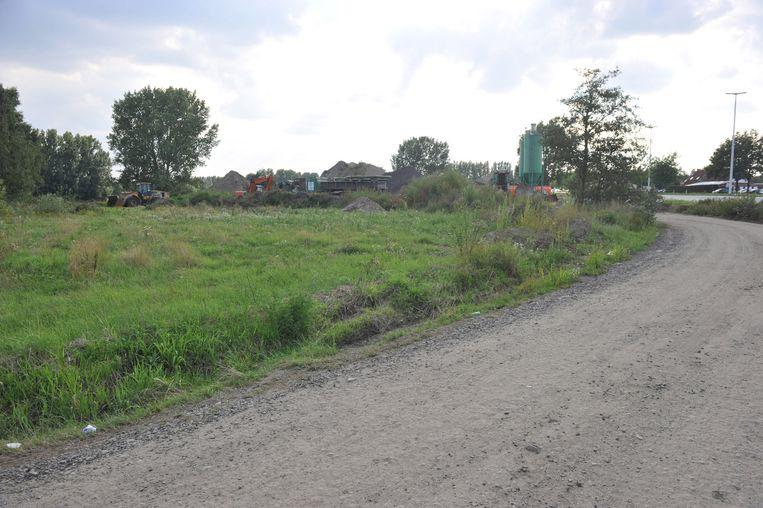 De stad Lier wil een braakliggend terrein aan de Hoge Velden omvormen tot een (jeugd)sportcomplex met zeven voetbalvelden.