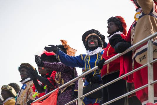 De aankomst van de Sint in 2017, met veel Zwarte Pieten,