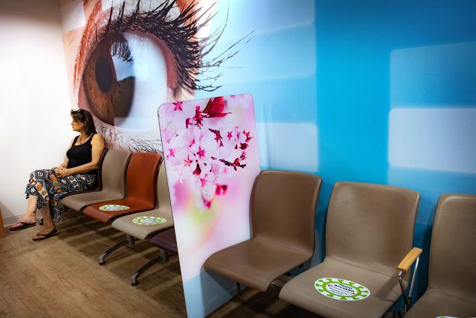 Een van de schermen in een wachtkamer van het CWZ.