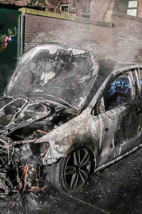 Auto uitgebrand in Klarendal
