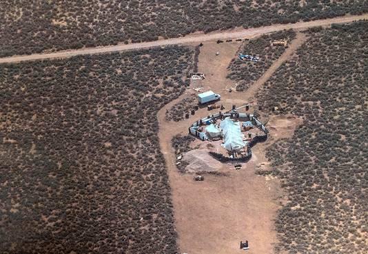 Het terrein in New Mexico waar het vijftal en de kinderen werden aangetroffen.