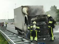 Vrachtwagentje vat vlam op A2 bij Boxtel; weg weer vrij