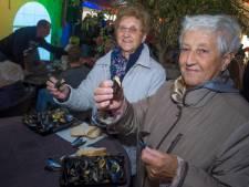 Kloorianen feesten tijdens Bamisfeesten geld bij elkaar voor carnaval