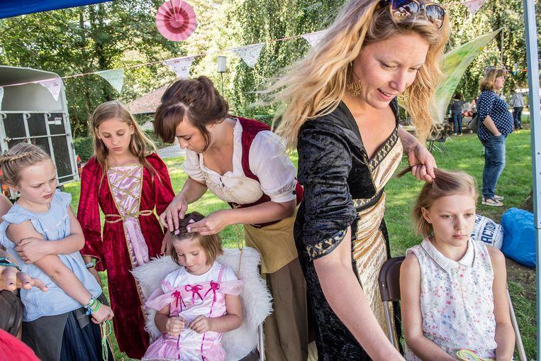 De prinsesjes willen er op hun paasbest uitzien.