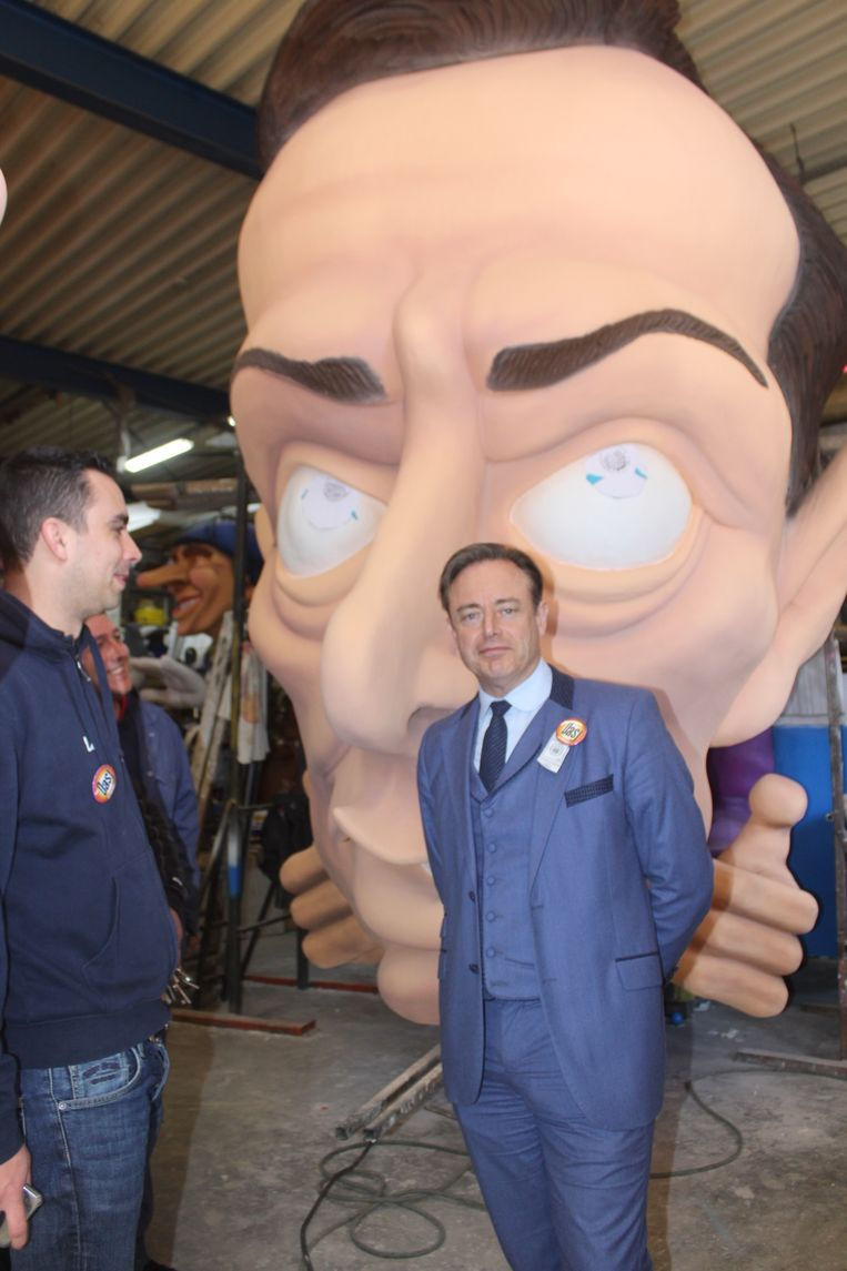 Bart De Wever bij zijn carnavalskop.