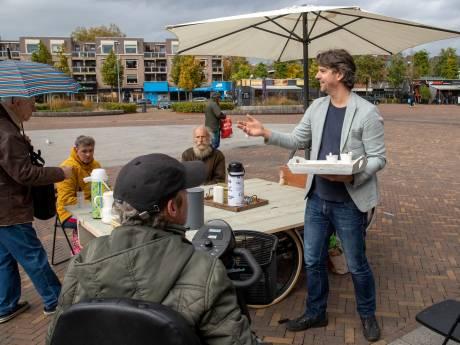 Deze koffietafel in Ede komt naar je toe voor een goed gesprek