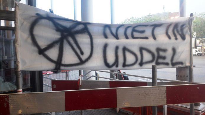 Voor een deel van Uddel en de buurtschappen er omheen zijn windmolens onbespreekbaar, maakten ze donderdag ook met een spandoek duidelijk.