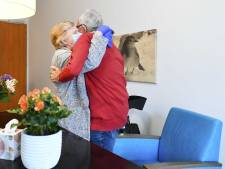 Verpleeghuiskoepel Actiz: Bezoekregel te streng en pijnlijk voor bewoners